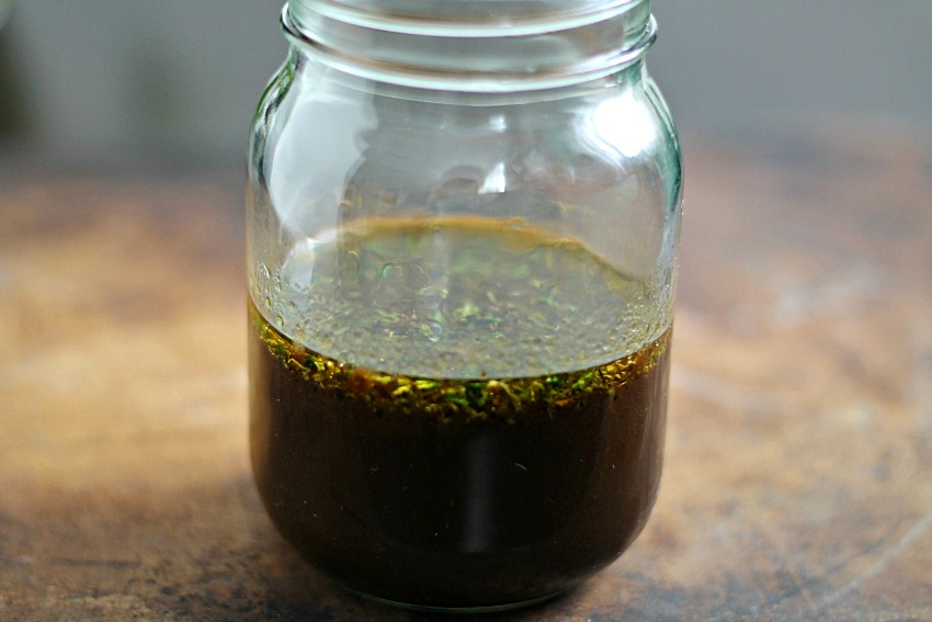 Vinaigrette dressing in a mason jar