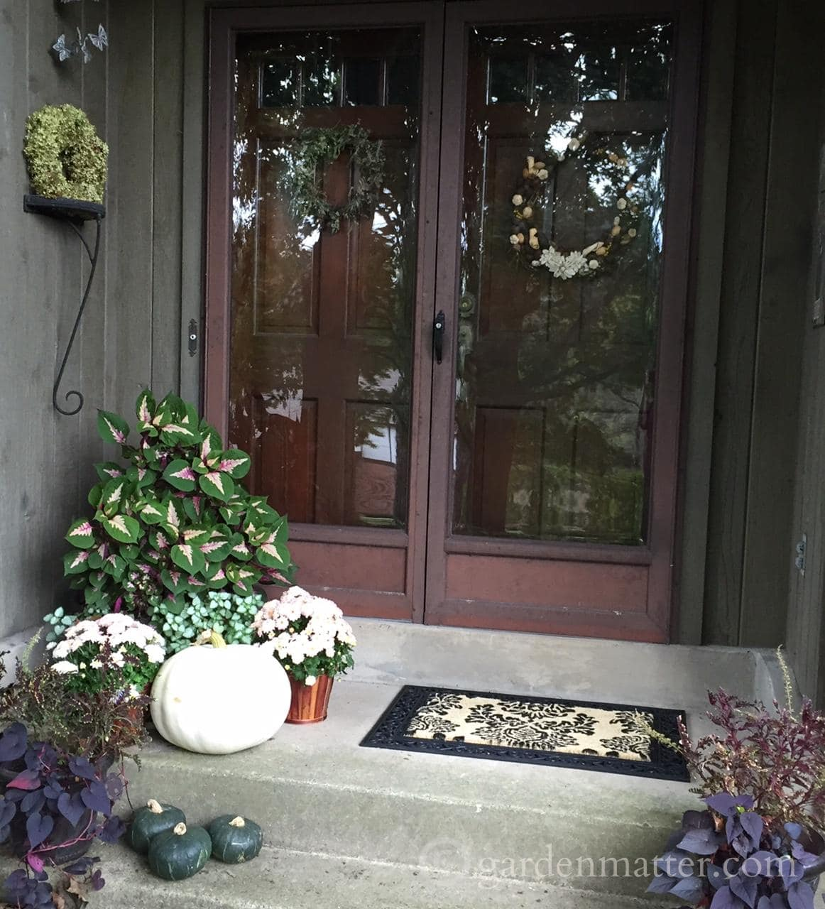 Front Door Decorations For Summer: Transitioning From Summer To Fall