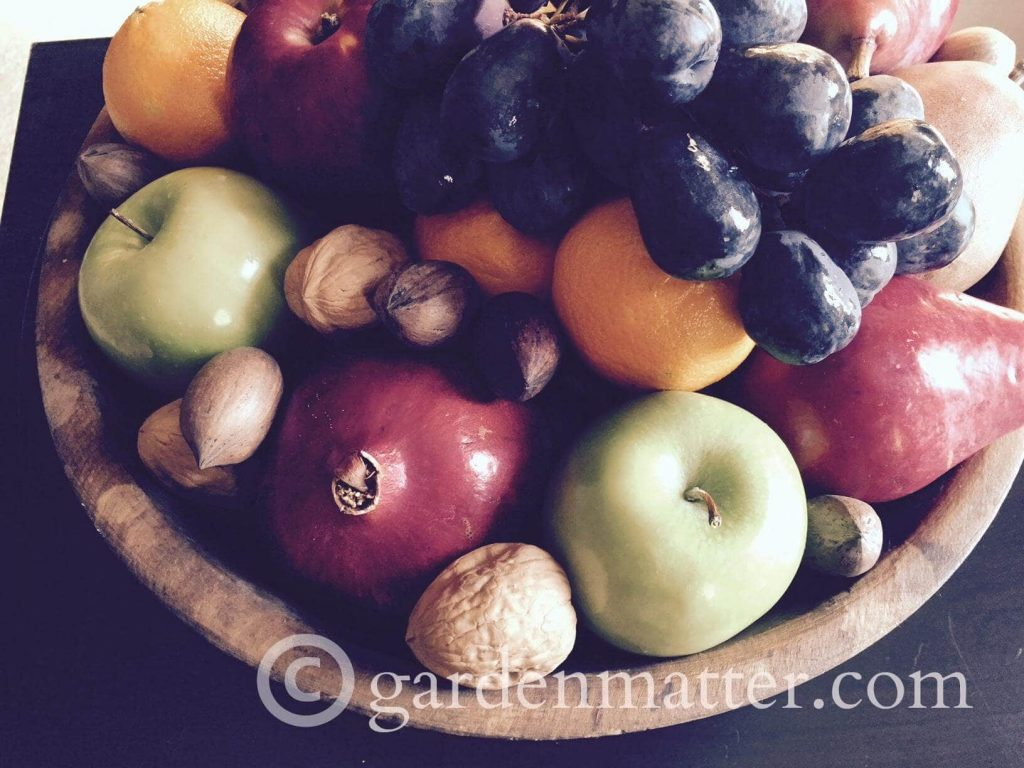 How to Make an Edible Centerpiece for Thanksgiving