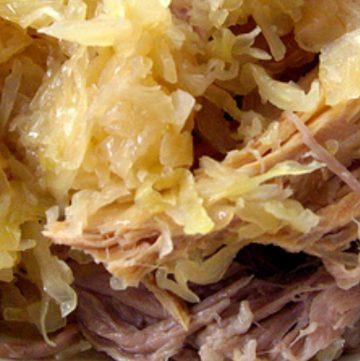 Pork with sauerkraut on top
