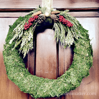 Moss Covered Wreaths For the Entire Winter Season