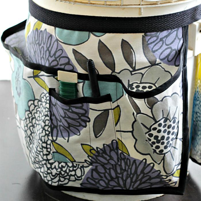 Garden bucket tool belt