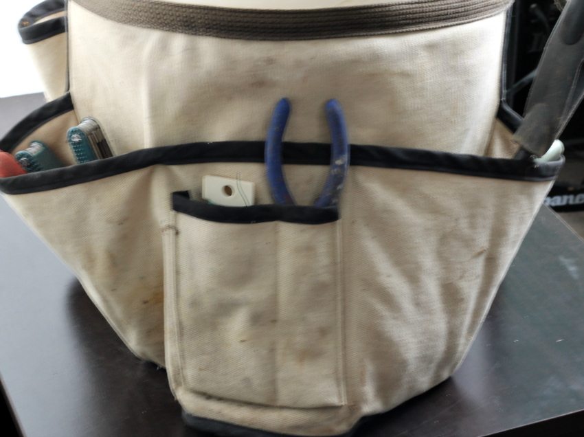 Original tool belt for bucket