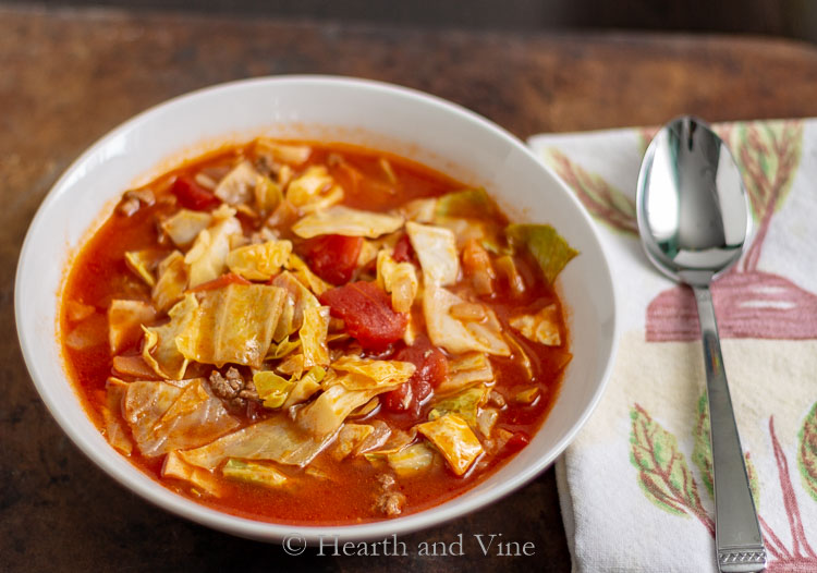 Stuffed cabbage soup serving