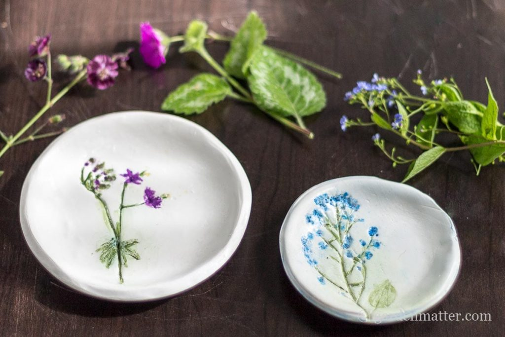 Pressed Flower Jewelry Dish ~ gardenmatter.com-2