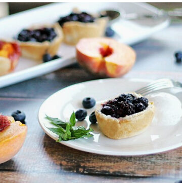 mini-muffin pies with blueberrie