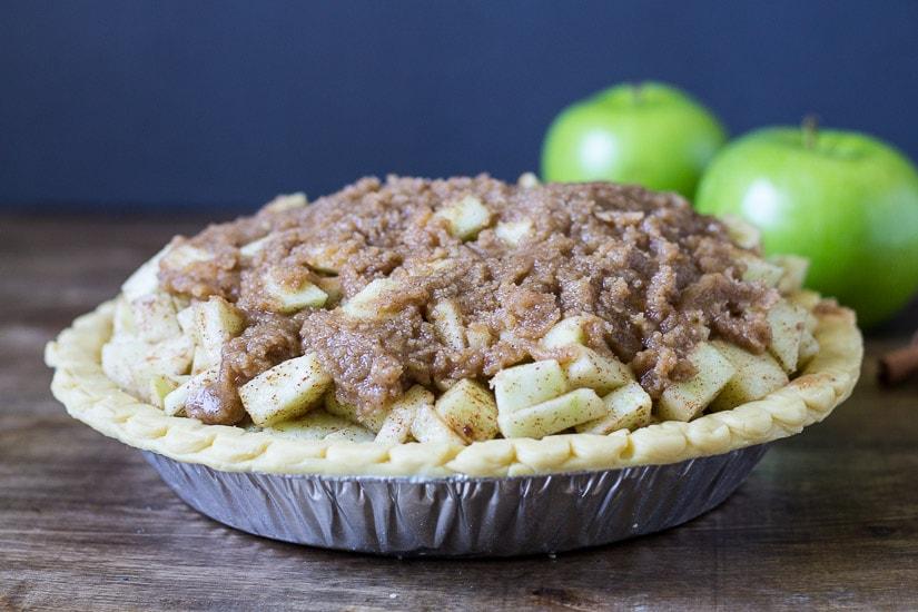Mound Apples in Middle ~ Dutch Apple Pie Recipe