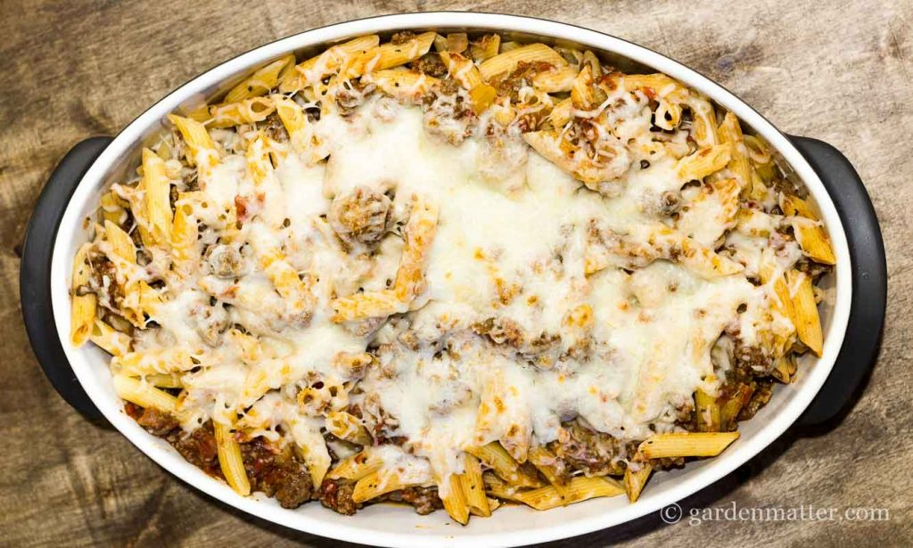 Bake Penne with beef ~ Spaghetti Casserole ~ gardenmatter.com