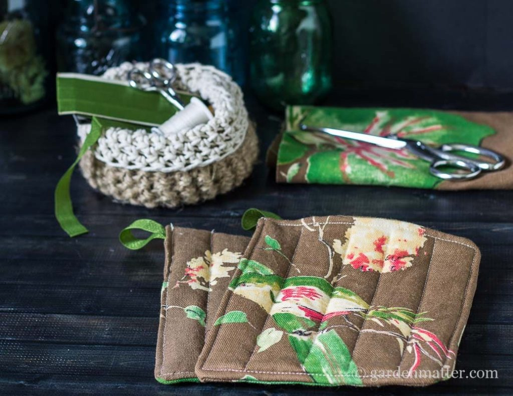Completed Natural Print Bird Potholder ~ How to Make Potholders ~ gardenmatter.com