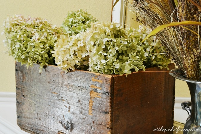 hydrangeas-in-vintage-crate