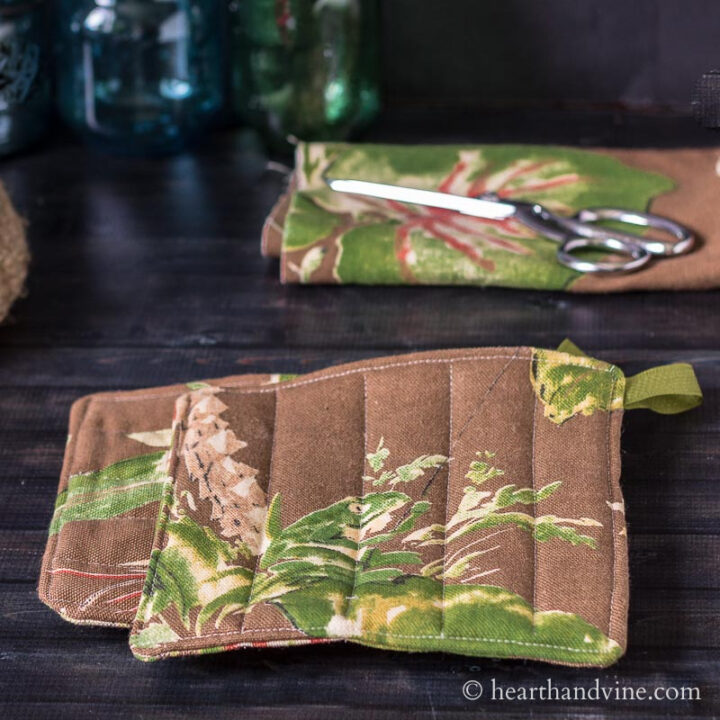 How to Make Potholders From Pretty Fabric You Love
