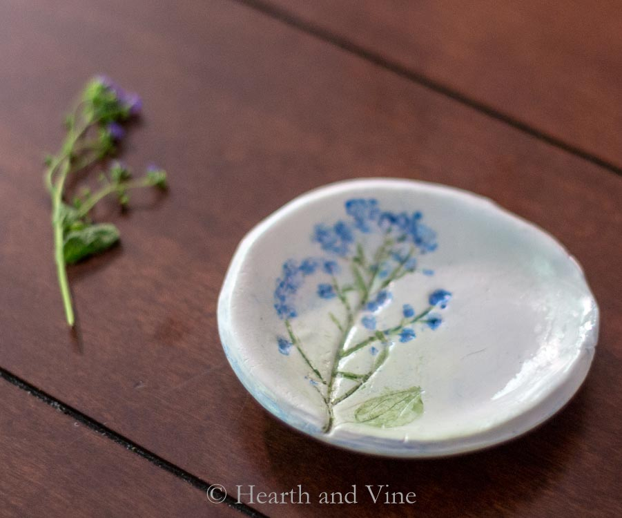 jewelry-dish-blue-flower
