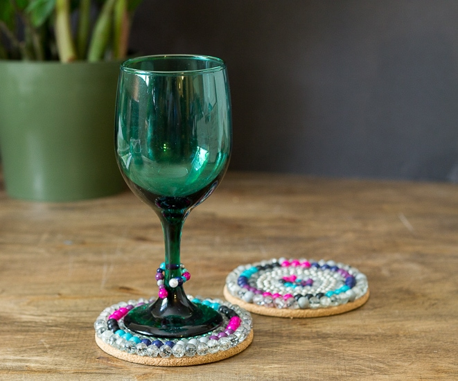 Coaster with wine glass ~ Bead Project ~ gardenmatter.com