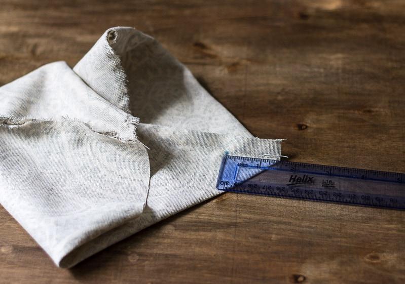 Measure and mark corner ~ fabric caddy ~ gardenmatter.com