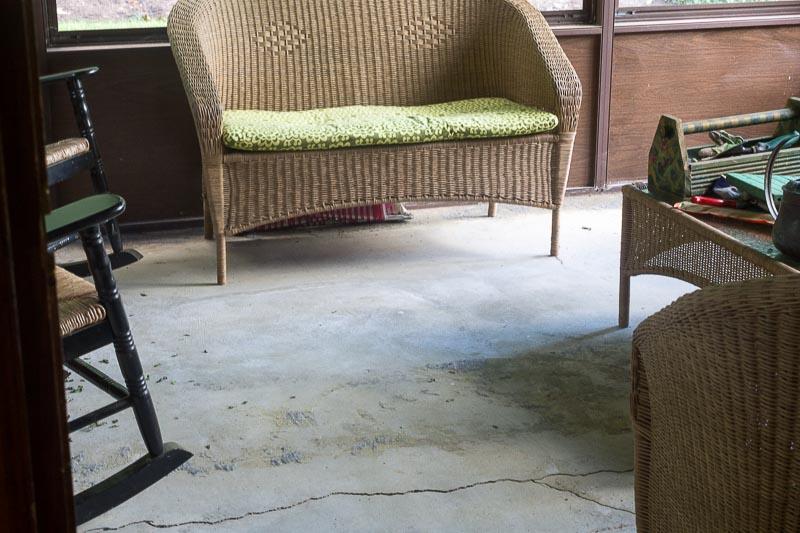 Porch-Floor-No-Carpet