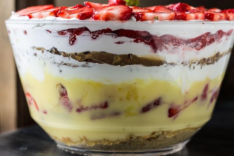 Strawberry-Praline-Trifle-Layers