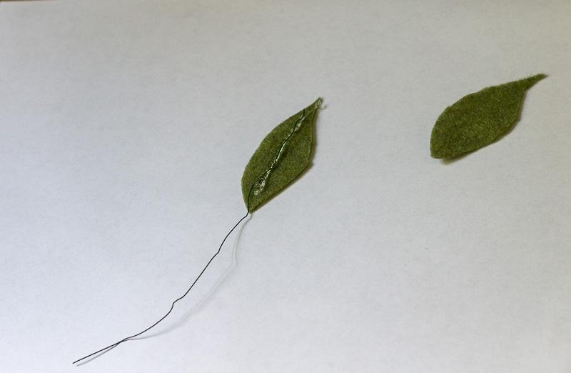 Felt Flower Wreath Tutorial - Felt leaves with hot glue