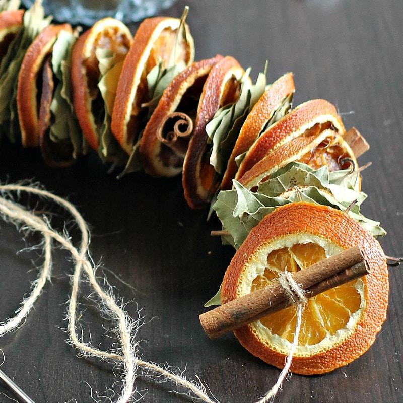 dried-orange-garland-sq-gardenmatter-com