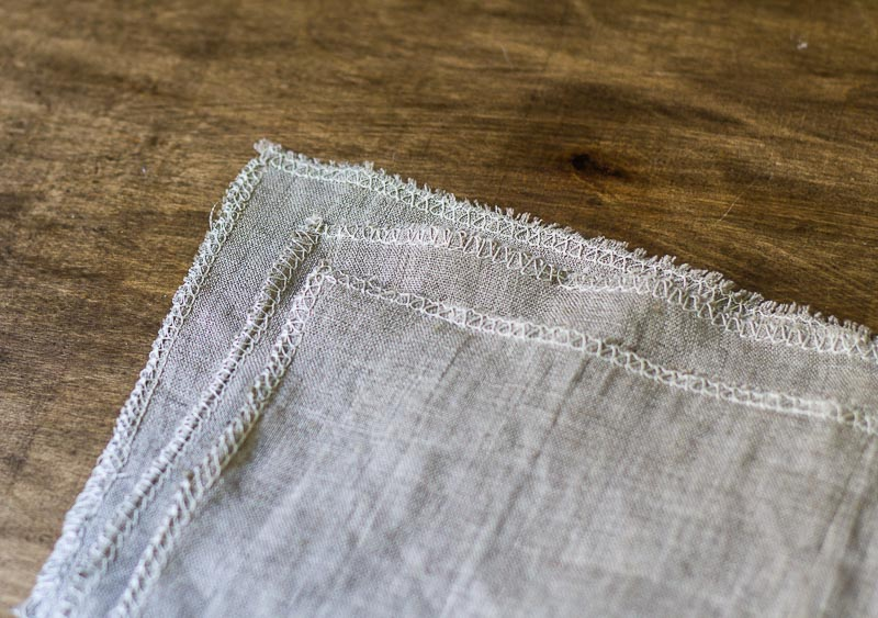 linen-napkins-serger-stitch