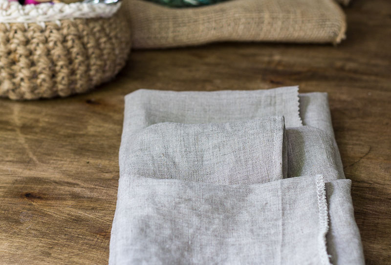 linen-napkins-three-different-finishes