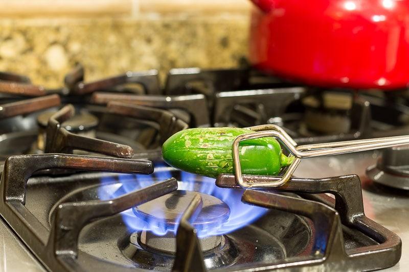 smoky-jalapeno-cheddar-cornbread-charring-jalapeno