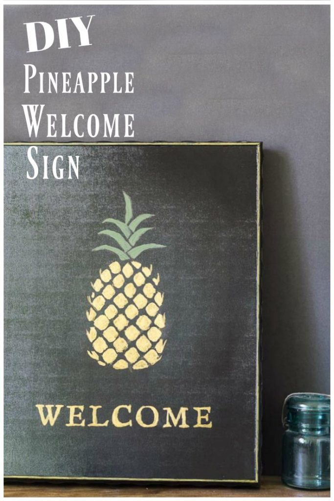 Gold pineapple welcome sign