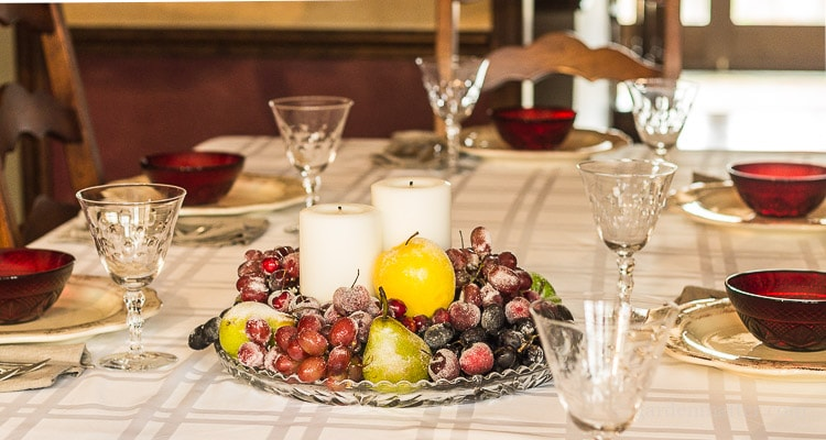 centerpiece-of-sugared-fruit-and-candles