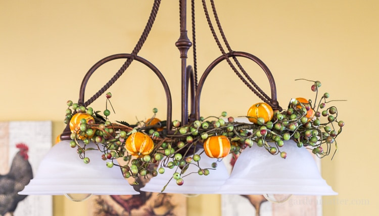 citrus-ornaments-on-garland