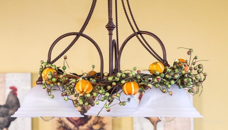 citrus-ornaments-on-garland