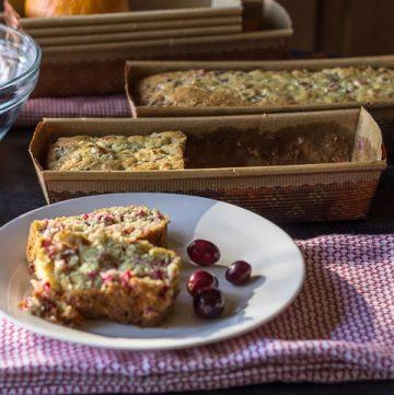 cranberry-and-orange-quick-bread-sliced