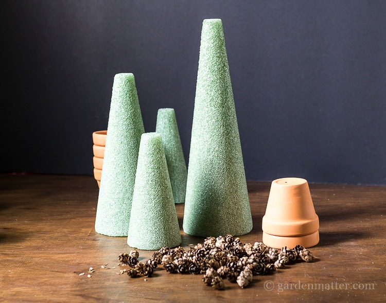 pine-cone-christmas-trees-materials