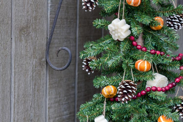 Learn a few ways to make handmade rustic decorations for your Christmas tree. All are easy to make and create a nice homey feel for the holidays.