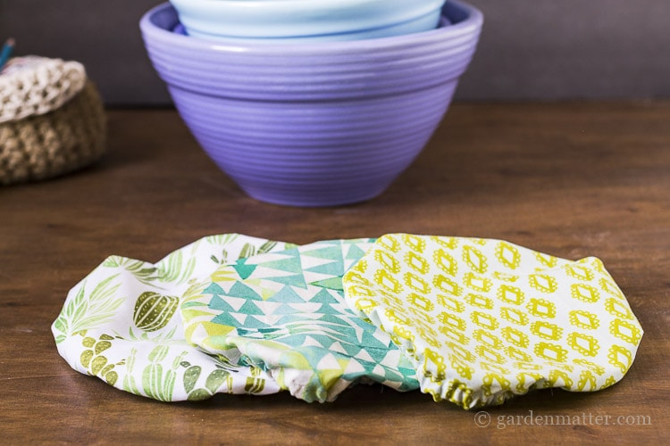 Use fabric bowl covers to protect your dishes at a picnic.