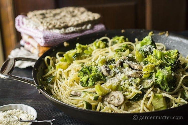 Vegetarian pasta primavera recipe.