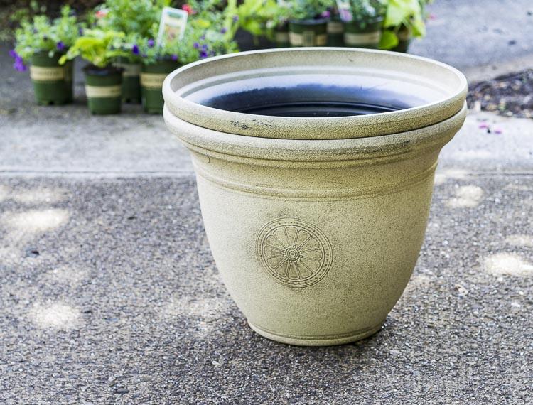 Lightweight resin planters
