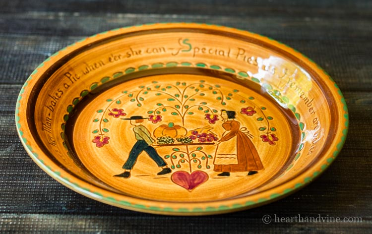 Folk pattern pie dish