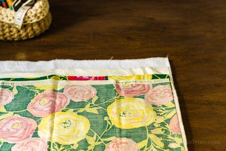 Layout of fabrics for fat quarter trivet.