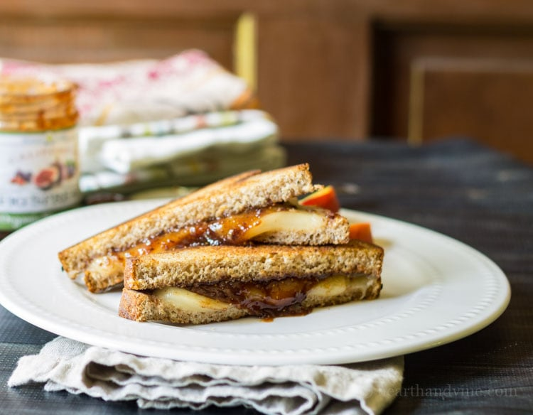 Fontina and Fig Grilled Cheese: A Winning Combination