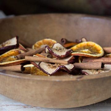 Homemade potpourri made with natural apples, orange slices and cinnamon sticks is a great way to bring a little beautiful and fragrance to your home.
