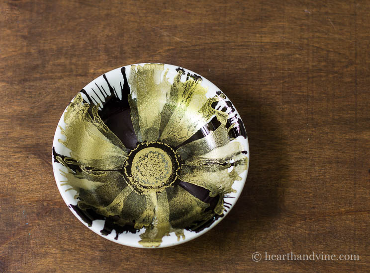 Black and gold floral alcohol ink dish