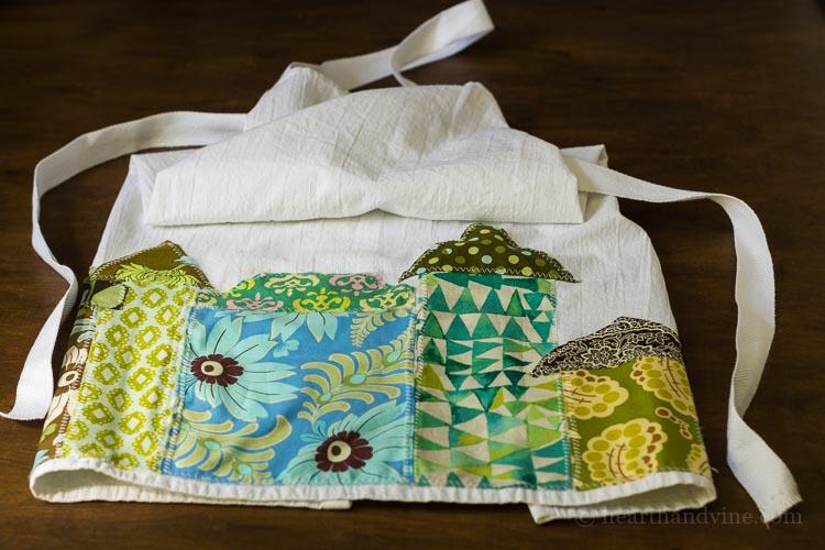 Tea towel apron house applique project.
