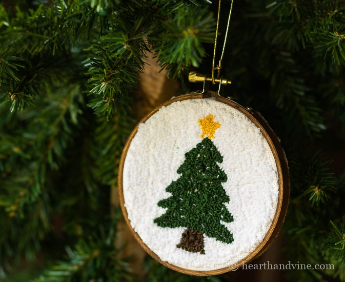 Punch ornament Christmas tree with star