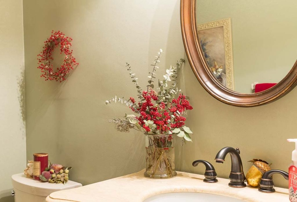 2017 Christmas Home Tour Powder Room
