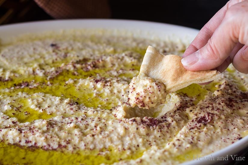 Authentic hummus dip