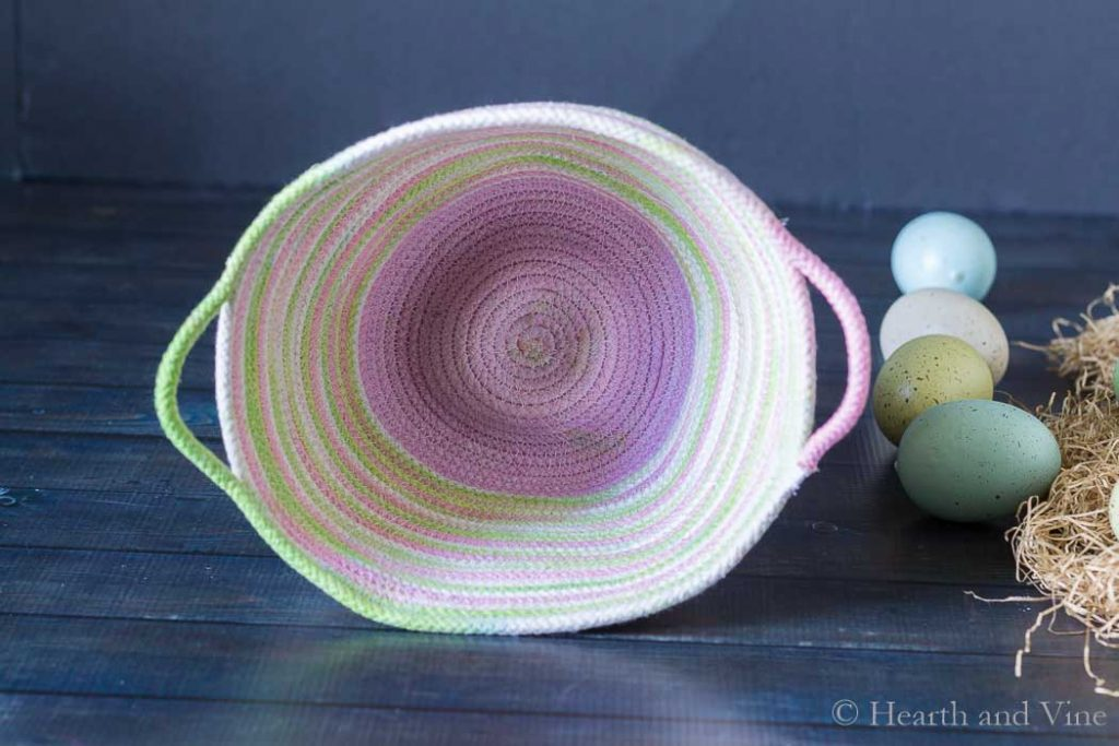 Inside of dyed rope basket completed.
