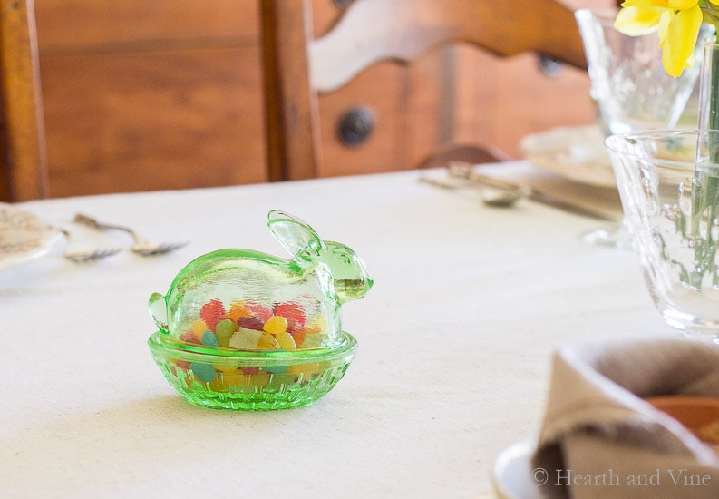 Smith glass bunny with jelly beans