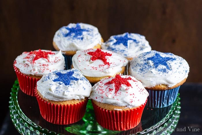 Cake plate with patriotic cupcakes
