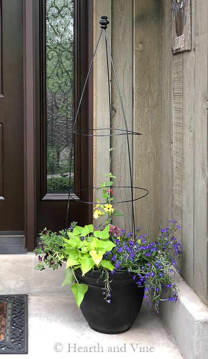 Flower Pot Trellis Easy And Cheap To Make Looks Expensive