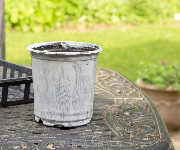 Primer on nursery pot