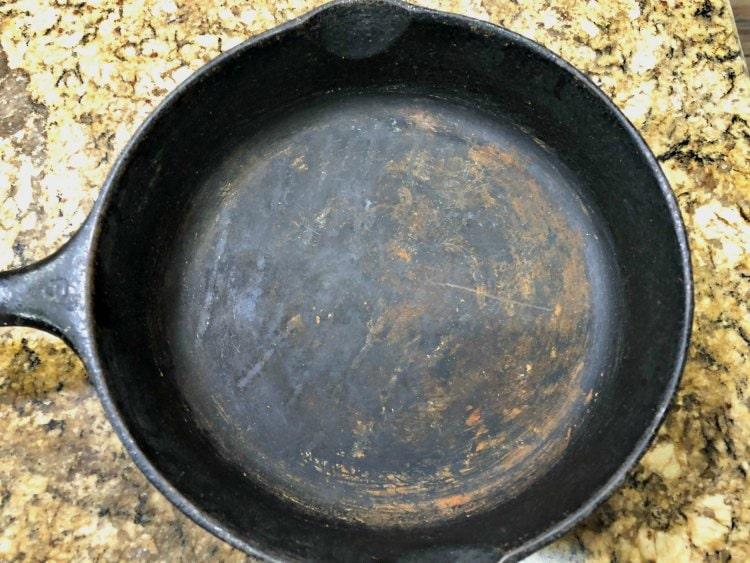 Old cast iron skilet